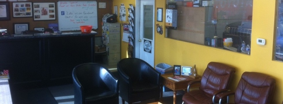 Covey's Auto and Repair Service Waiting Area
